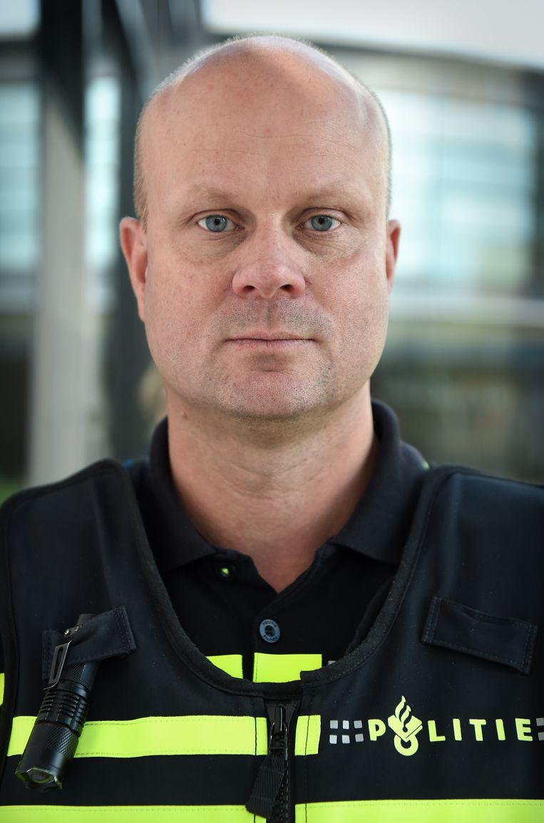 Agent Maarten Brink. Beeld Marcel van den Bergh