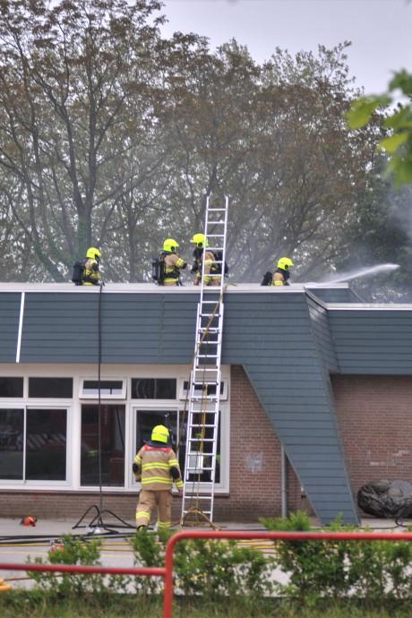 Twee verdachten van 13 en 17 jaar aangehouden voor schoolbrand in Renkum