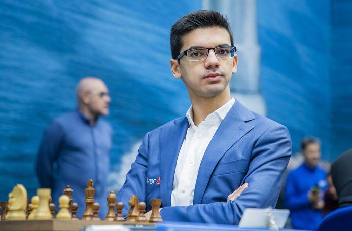 2020-01-11 14:27:46 WIJK AAN ZEE -  Anish Giri speelt tegen Magnus Carlsen uit Norwegen in de eerste ronde van het TataSteel Chess Tournament 2020. ANP KOEN SUYK