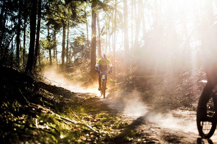 Mountainbikers op de Mookerheide.