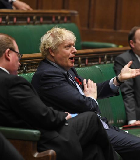 Johnson wint stemming: Engeland wordt in drie coronazones verdeeld