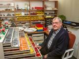 Bert (75) is verslingerd aan Lego
