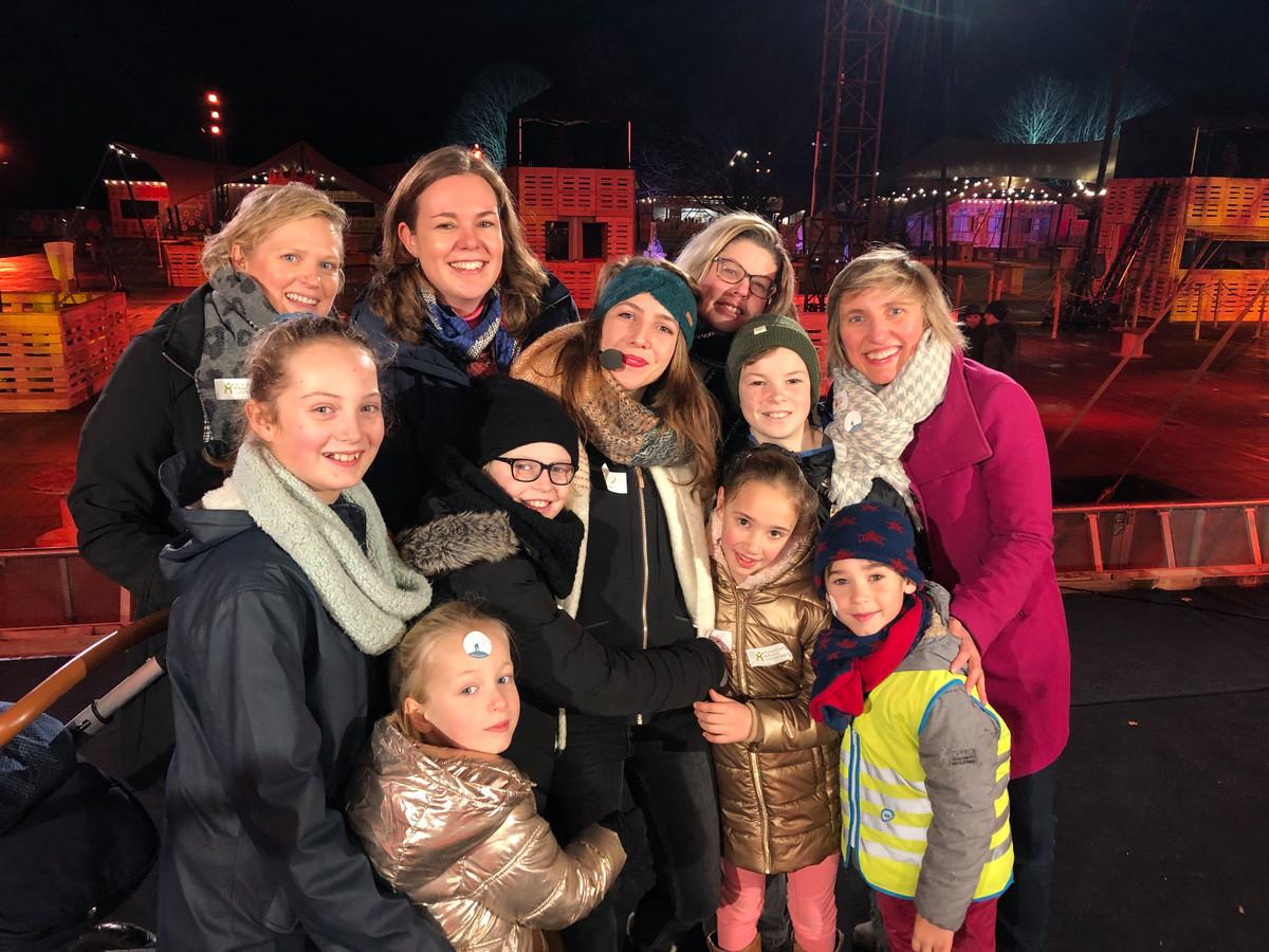 vlnr: Erika Oelbrandt, Nena De Nys, Michèle Cuvelier van Studio Brussel (groene haarband) Caroline Van Goethem, Karolien Devriendt