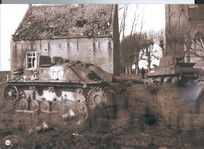 Eind oktober 1944 trokken tanks Raamsdonk, werd er hevig gevochten tussen de geallieerden en de Duitsers.