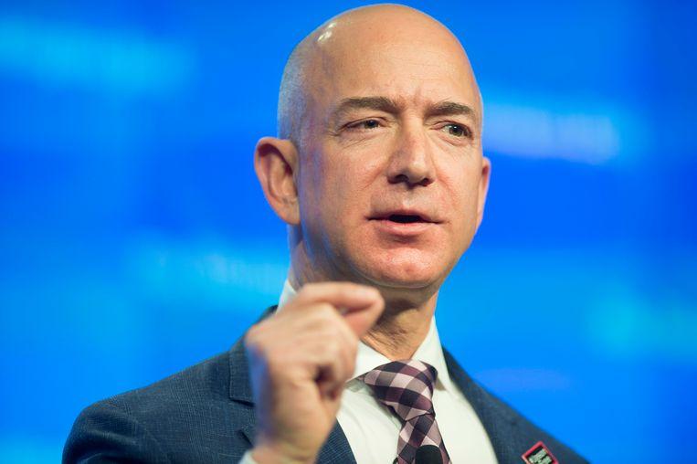 Jeff Bezos, oprichter van webwinkelreus Amazon, is de rijkste mens op aarde.