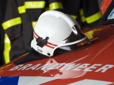 Politie en brandweer doorzoeken kledingcontainer na meldingen van 'huilende baby'