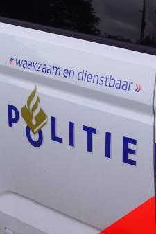 Politie houdt 'actiedagen' in Enschede-Zuid en schrijft 38 bekeuringen uit