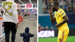"""Romelu Lukaku deelt voor het eerst foto met zoontje Romeo: """"I love you, son"""""""