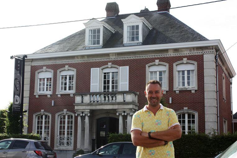 David Selen voor zijn gelijknamige restaurant op de Meensesteenweg. Midden januari 2017 sluit hij voorgoed de deuren.
