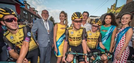 Teruglezen | Publiekslieveling Teunissen klopt Kruijswijk, 40.000 wielerfans in straten Boxmeer