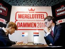 Wereldkampioen dammen Roel Boomstra komt naar Laren