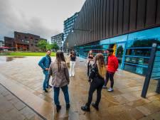 Jongeren Informatie Punt: zorgen voor 'positieve reuring' op veelbesproken Wilminkplein in Enschede