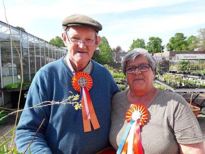 Bert Klerks viert samen met zijn vrouw Annie de koninklijke onderscheiding