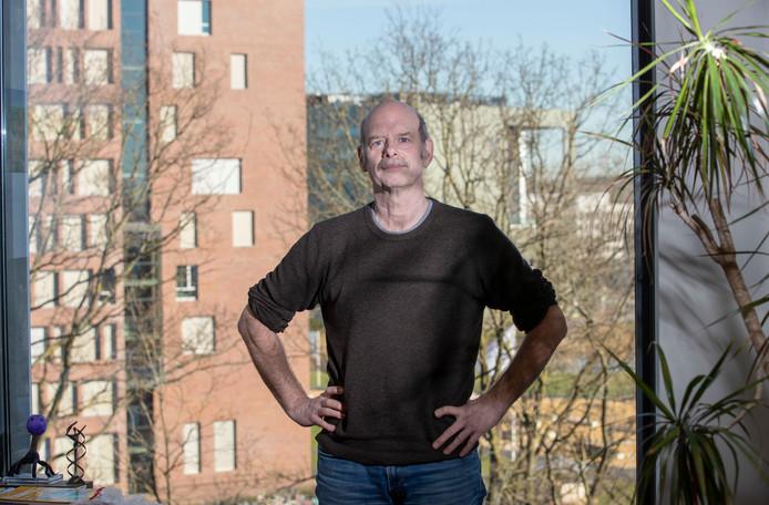 Hoogleraar Microbiologie WUR John van der Oost heeft de Spinozapremie gewonnen voor zijn onderzoek naar immuunsysteem.