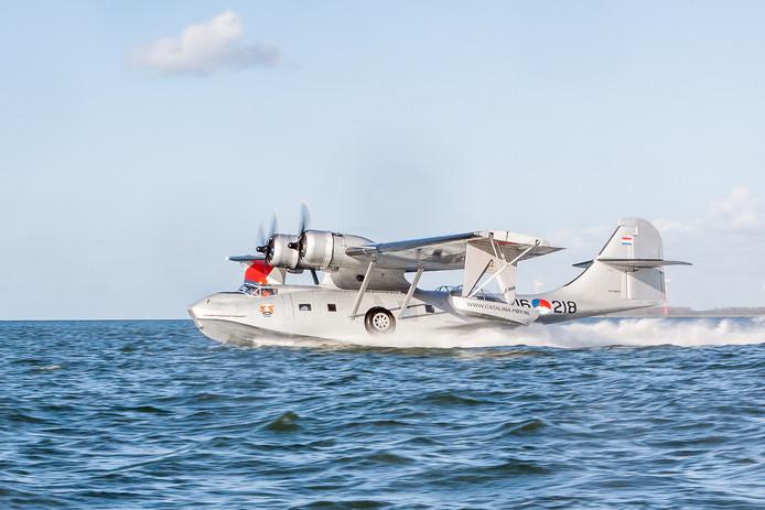 afgelopen jaar is het vliegtuig flink onder handen genomen. De Catalina raakte in augustus 2017 zwaar beschadigd na een mislukte landing op Lelystad Airport.