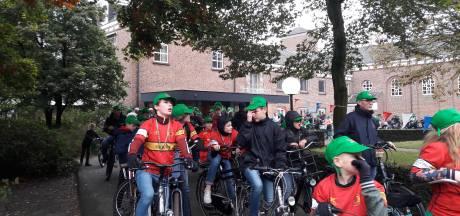 146 Groene petten voor 146 bevrijders van Den Bosch
