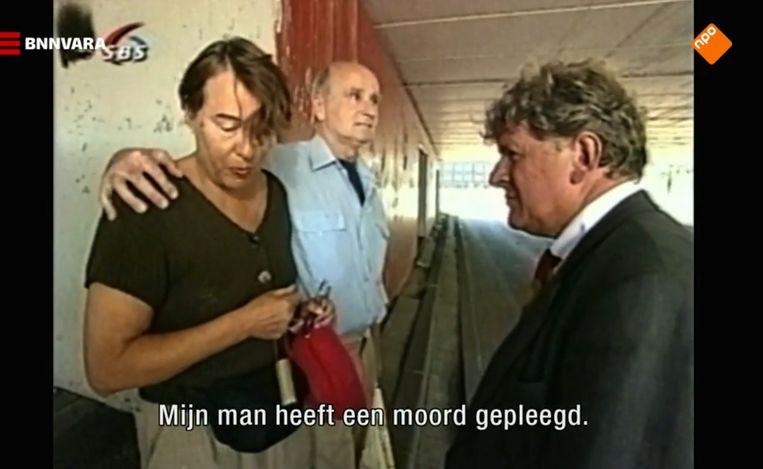 Willibrord Frequin ontmoet de moordenaar van Gerrit Jan Heijn, Ferdi E., en zijn vrouw, 2000.  Beeld
