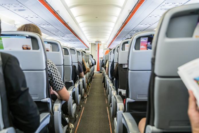 Certains sièges ne mesurent que 40,64 centimètres