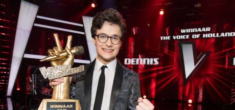 Een kijkje achter de schermen bij de finale van The Voice: staande ovaties oefenen en Utrechter Dennis wint
