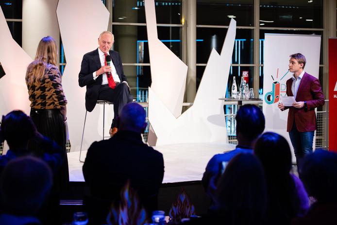 Burgemeester Johan Remkes was dinsdagavond te gast bij de talkshow Spuigasten.