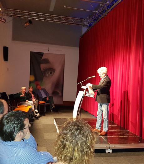 Kees van Beijnum en Jan J. Pieterse redden Boek & Bal Boxtel