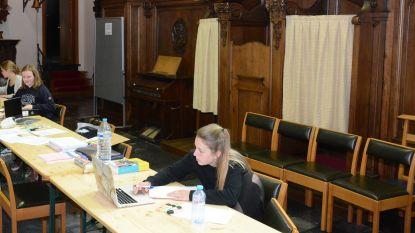 Studieruimte in Sint-Petruskerk: vooraf reserveren, extra tafels en looplijnen