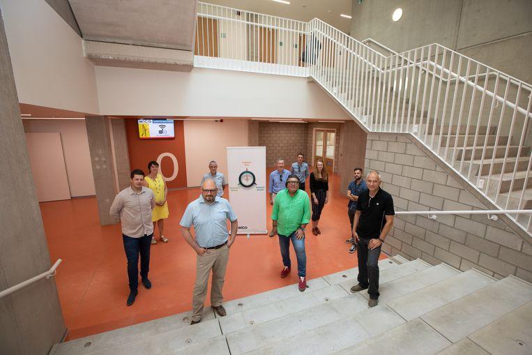 Van links naar rechts: Jens Roziers (Q-BUS), Lieve Lemmens (WICO Juniorcampus), Dirk Driesmans (Q-BUS), Eric Hendriks (huidig campusdirecteur), Bart Kerkhofs (WICO), Mario Eurlings (Willemen), Gert Theunis (WICO Sint-Hubertus), Katheleine Housmans (Willemen), Julian Dullers (Willemen) en Marc Vaesen (WICO).