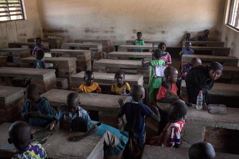 Afrika Leren Bank.Scholen In De Centraal Afrikaanse Republiek Hebben Overal Gebrek