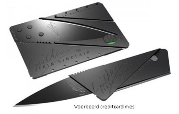 Voorbeeld credit card mesjes. Foto: Politie.nl