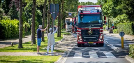 Toeterend Maas en Waal door met het 27ste Truckerskonvooi Boldershof