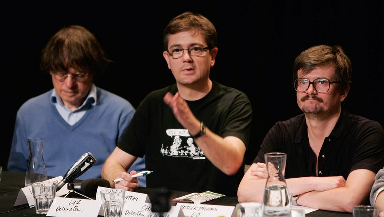 Drie cartoonisten van het satirische tijdschrift Charlie Hebdo: Cabu (links), Charb en Luz. De eerste twee kwamen bij de aanslag om het leven. Beeld getty