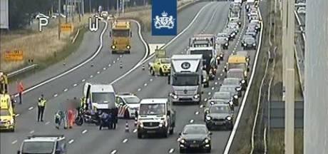 Ongeluk A12 bij De Meern: weg richting Utrecht weer vrijgegeven, file lost op