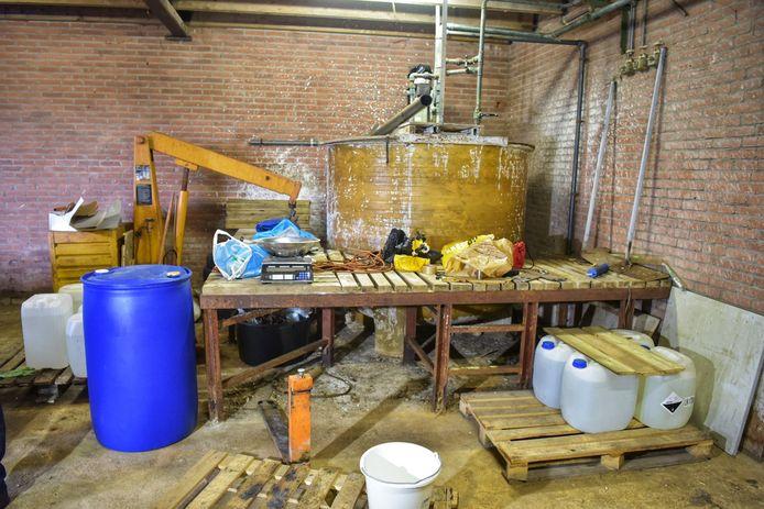 Drugslab in een woonwijk in Rijen aangetroffen.