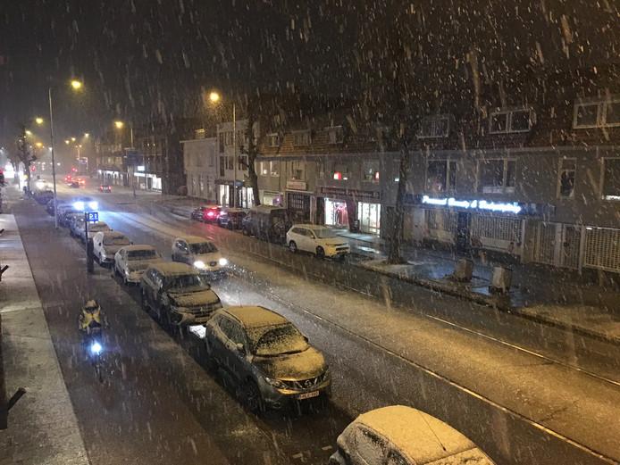 Rond half zeven sneeuwde het even in Eindhoven.