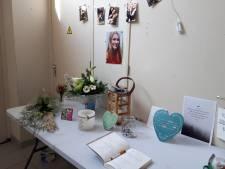 Verslagenheid op Urk na dood van Joanny (20)