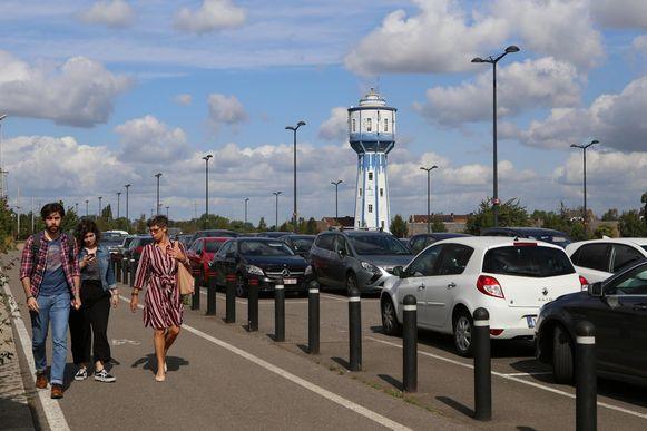 De parking aan het station staat dikwijls bomvol omdat bijvoorbeeld de parkings in het centrum vaak langer ingenomen worden dan de bedoeling is.