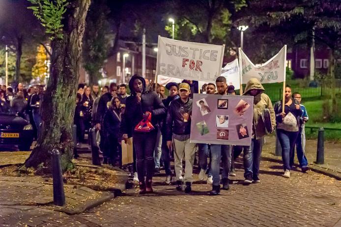 Een jaar geleden hielden nabestaanden een stille tocht tegen zinloos geweld.