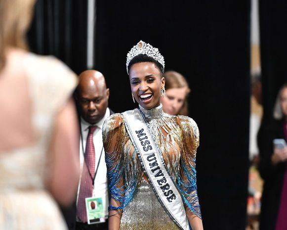 De nieuwe Miss Universe 2019, de Zuid-Afrikaanse Zozibini Tunzi.