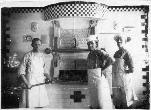 Bij het ontstaan in 1913 was de familiezaak een broodbakkerij, maar door de jaren heen werd de focus steeds meer op speculaas gelegd.