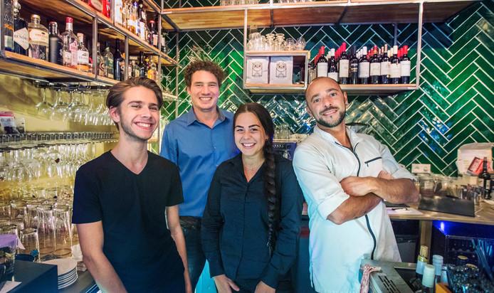De jonge en enthousiaste medewerkers die Aimée tot een succes willen maken: v.l.n.r. Sandro, Martijn, Denise en Thomas.
