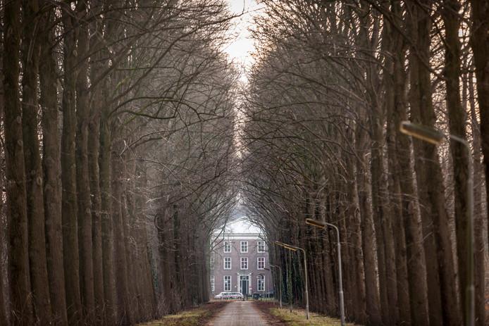 In de Tweede Wereldoorlog was landgoed Haarendael in Haaren nog een seminarie waar nazi's 800 gijzelaars en 3.100 gevangenen vast hielden onder wie politici, verzetsmensen, joden en geheimagenten van het Englandspiel.