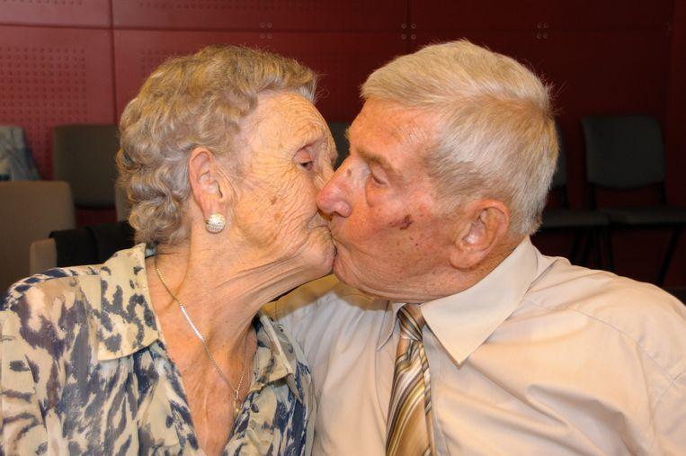 82 jaar getrouwd Al 82 jaar smoorverliefd op 'ons Maria'