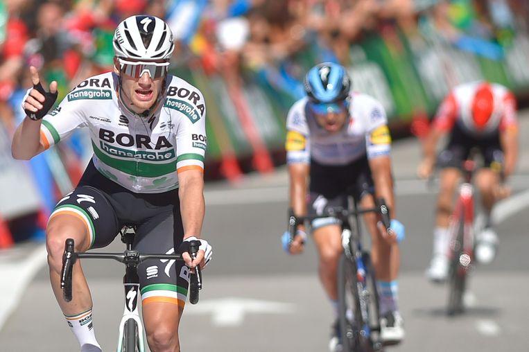 Sam Bennett haalde het voor Richeze en Van der Sande.