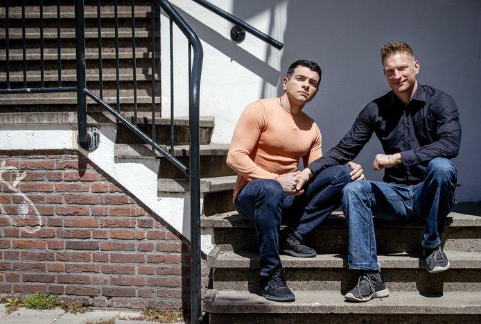 Fabio (L) en Daniel werden slachtoffer van geweld tegen homo's