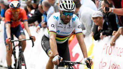 """Valverde komt met opvallend verhaal over Waalse Pijl: """"Ik slikte een bij in en die stak me in mijn keel"""""""