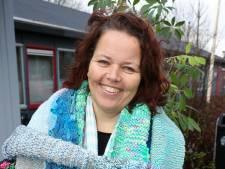 Sjaals van 'Lowieke' liggen nu bij de voedselbank