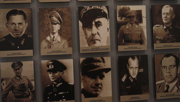 Duitse officieren die meededen in de grootste moordpartij van Duitsers in bezet Griekenland. Meer dan vijfhonderd mannen van veertien jaar en ouder werden in het Griekse dorp Kalavryta neergeschoten. Beeld ap
