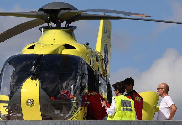 Via een helikopter werd Chris Froome van het ziekenhuis van Roanne naar een ander ziekenhuis vervoerd.