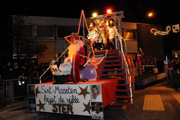 Sint-Maarten wordt jaar na jaar onthaald als een held in Ardooie.