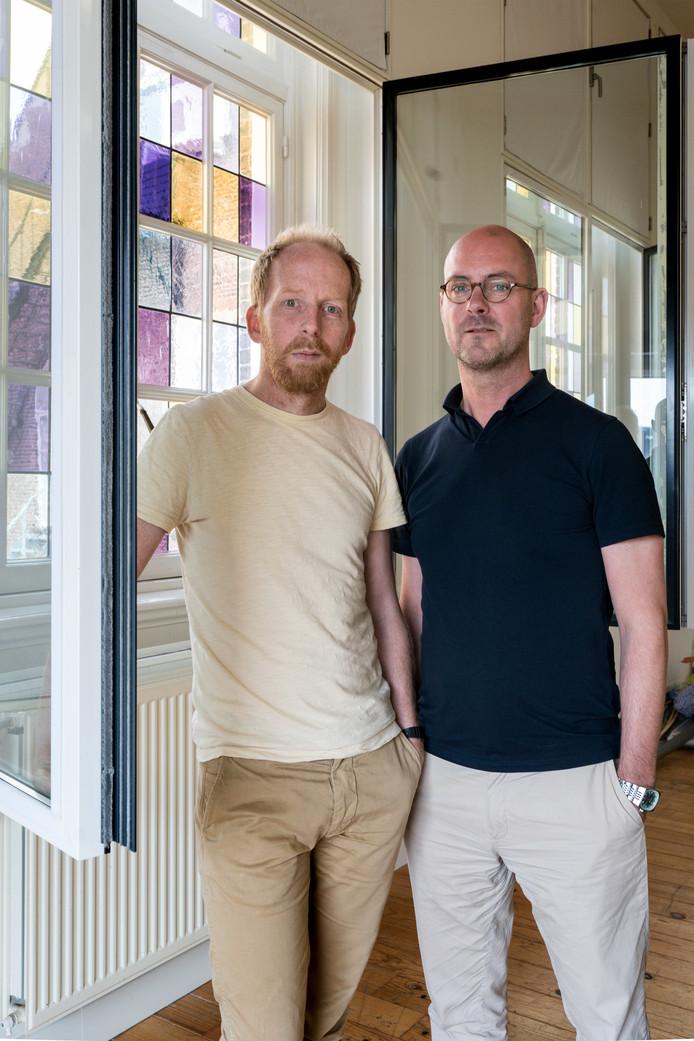 Jetse Batelaan (links) en Patrick van der Weijde van Jeugdtheater Artemis. Foto Marc Bolsius